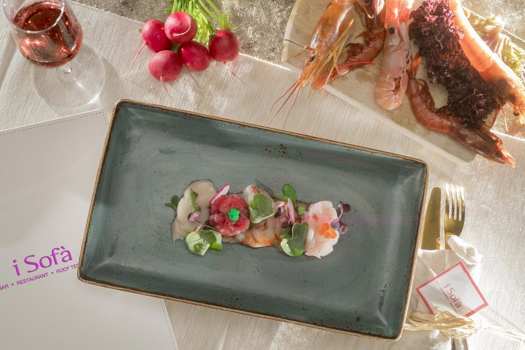 Raw seafood mirror