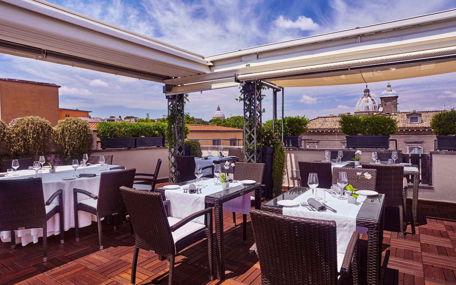 1461916807_Roof_Restaurant_Day_02_V2.jpg